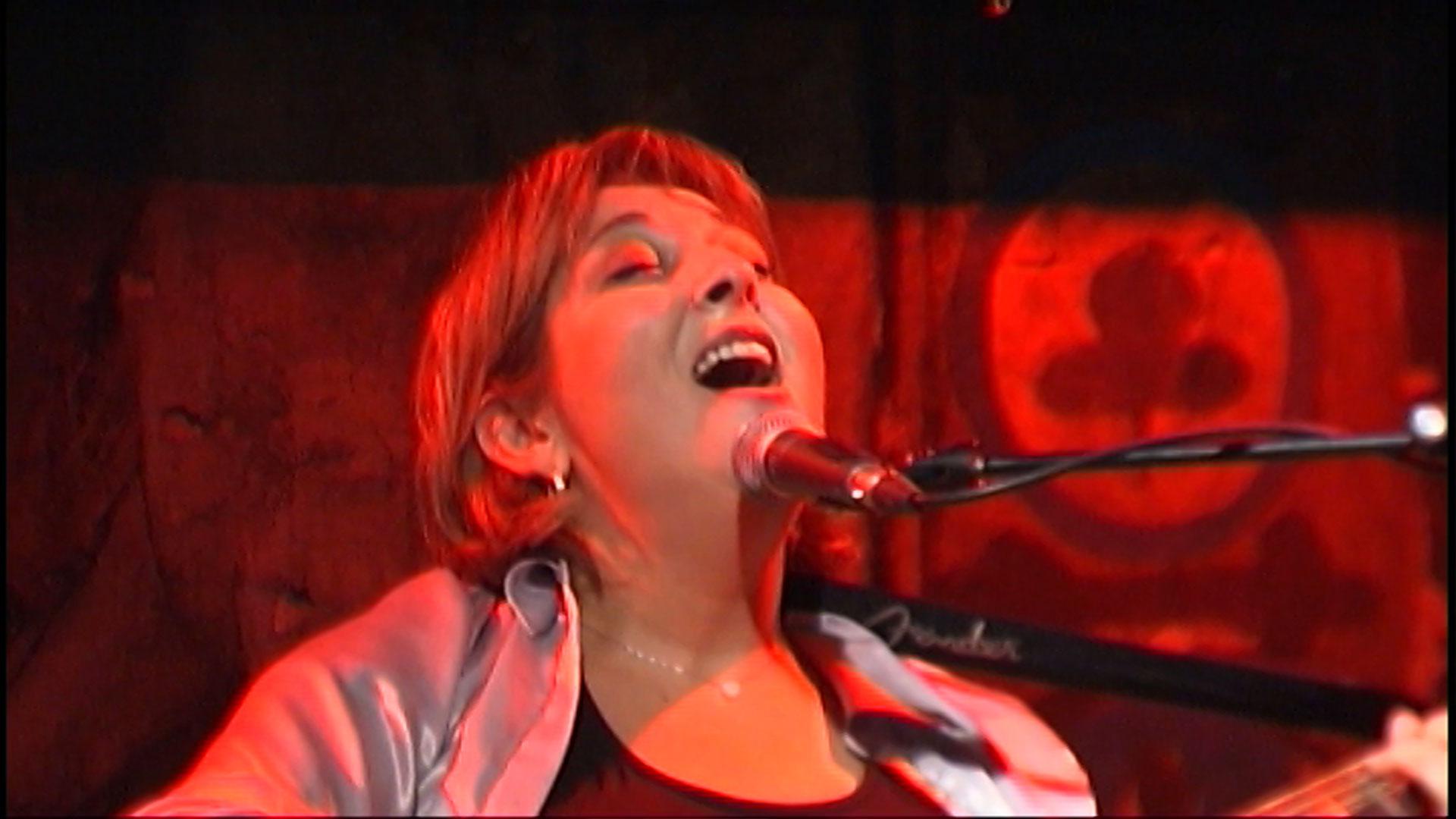 La chanteuse Corinne Draï dans le cadre du prix Zind-Kala-Wasté 2015
