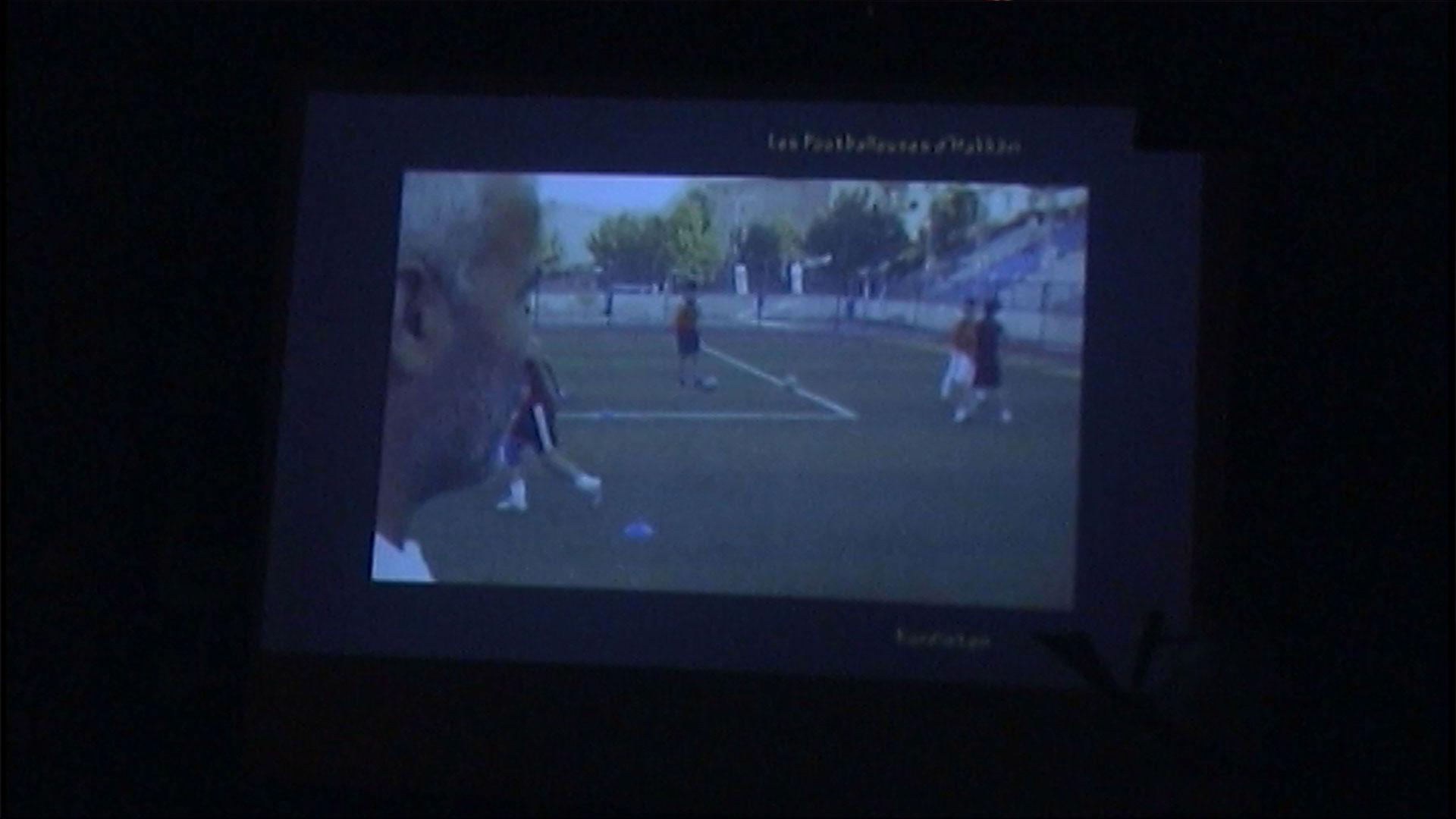 Diffusion d'un reportage clip sur les joueuses de football d'Hakkâri fief historique des Pechmergas dans le cadre du prix Zind-Kala-Wasté 2015